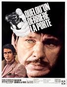 Quelqu'un derrière la porte - French Movie Poster (xs thumbnail)
