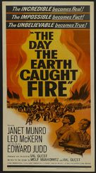 The Day the Earth Caught Fire - Movie Poster (xs thumbnail)