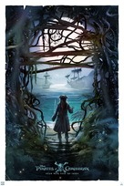 Pirates of the Caribbean: Dead Men Tell No Tales - Movie Poster (xs thumbnail)