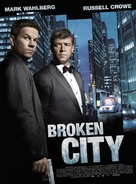 Broken City - French Movie Poster (xs thumbnail)