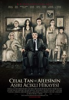 Celal Tan ve Ailesinin Asiri Acikli Hikayesi - Turkish Movie Poster (xs thumbnail)