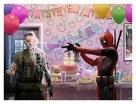 Deadpool 2 - poster (xs thumbnail)