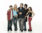 """8 Simple Rules... for Dating My Teenage Daughter"" - Key art (xs thumbnail)"