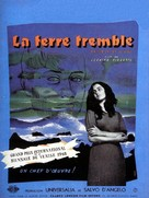 La terra trema: Episodio del mare - French Movie Poster (xs thumbnail)