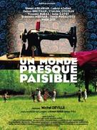 Un monde presque paisible - French Movie Poster (xs thumbnail)