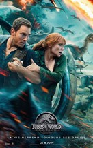 Jurassic World: Fallen Kingdom - French Movie Poster (xs thumbnail)