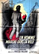 Un homme marche dans la ville - French Movie Poster (xs thumbnail)