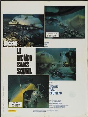 Le monde sans soleil - French Movie Poster (thumbnail)