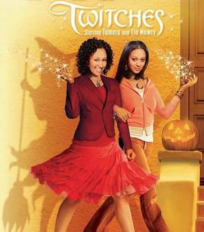 Twitches - Movie Poster (thumbnail)