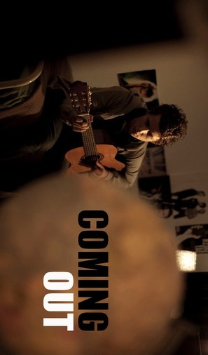 Coming Out - Movie Poster (thumbnail)