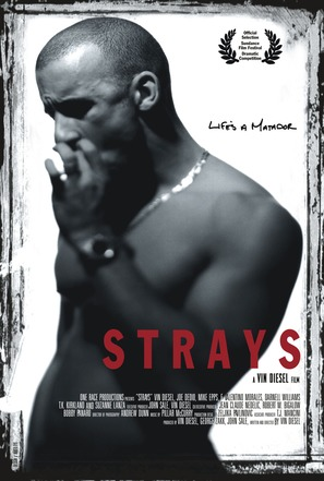 Strays - Movie Poster (thumbnail)