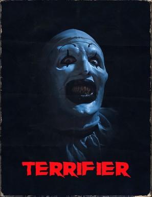 /></figure></div>  <p>Gracias a Scream, el género slasher tuvo un segundo aire y se lanzaron otras franquicias como I Know What You Did Last Summer y Urban Legend. Años después el género slasher fue abandonado por las películas híperviolentas de lo que algunos llaman «torture porn» que incluye varias joyas como Hostel, Saw, Eden Lake y Martyrs. Cuando estas películas pasaron de moda, se intentó revivir el slasher como en los 80's se revivía a Jason y revivieron la franquicia de Friday the 13th, y durante esa época se intentaron reboots de Freddy, Halloween, Black Christmas hasta My Bloody Valentine. Desde entonces el género slasher ha tenido muy poco que ofrecer, con contadas excepciones en películas que se han puesto creativas con el género como You're Next, Final Girls, It Follows, y Happy Death Day.</p>  <p>Hoy les recomiendo una joya reciente de este tipo que más que comentar sobre el género como lo hacen Scream o estas últimas 4 películas que mencione, hace un perfecto homenaje. Terrifier parece sacada de una realidad alterna donde John Carpenter en lugar de dirigir Halloween y The Thing, unía el slasher y el imparable asesino con cara pálida de Halloween con la estética, música, violencia, efectos especiales y atmósfera fría de The Thing. Un slasher clásico de los 80's dirigido en 2016.</p>  <h2>Día 10:  Comedia<br><br>Dead Alive</h2>  <div class=
