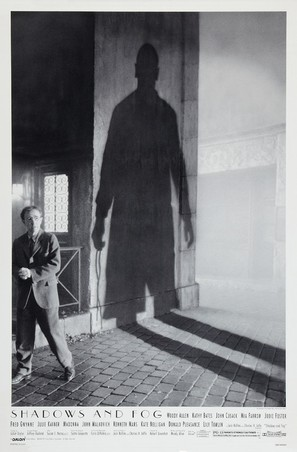 Shadows and Fog - Theatrical poster (thumbnail)