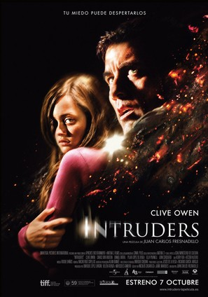 Intruders - Spanish Movie Poster (thumbnail)