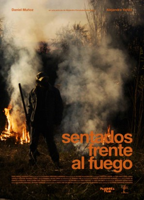 Sentados frente al fuego - Chilean Movie Poster (thumbnail)