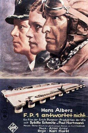 F.P.1 antwortet nicht - German Movie Poster (thumbnail)