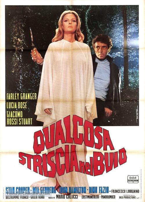 Qualcosa striscia nel buio - Italian Movie Poster